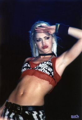 gwen stefani; 90s; fashion; retrogaming