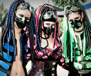 cybergoth, ebm, retrolampi